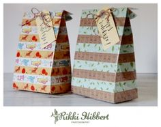 How to make your own christmas gift bags.
