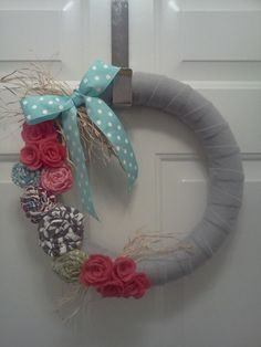 Spring wreath! Next craft time with @Meghan Lucey?
