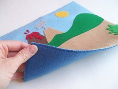 Quiet Book - Good idea for making the pages easier to assemble. I like the way she explains how to do the whole page. Diy Quiet Books, Baby Quiet Book, Felt Quiet Books, Baby Crafts, Felt Crafts, Book Projects, Sewing Projects, Dinosaur Play, Quiet Book Patterns