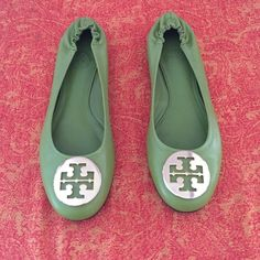 Brand new, never worn Tory Burch Flats Brand new, never worn Tory Burch Flats. Will sell for cheaper on Ⓜ️ercari Tory Burch Shoes Flats & Loafers
