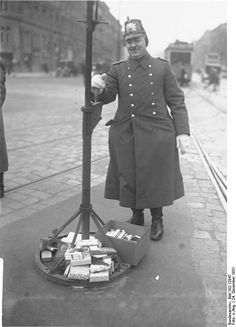 Christmas Eve, a Berlin traffic policeman has been given gifts by motorists, as per tradition November Revolution, Underground World, The Third Reich, Historical Photos, World War, Night Life, The Past, Germany, In This Moment