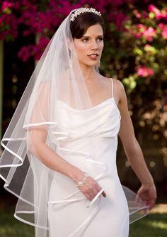 2016 جديد وصول العاج الشريط حافة الزفاف الحجاب العرف تول الحجاب لعروس طبقتان الحرير الشريط هيم الزفاف الحجاب