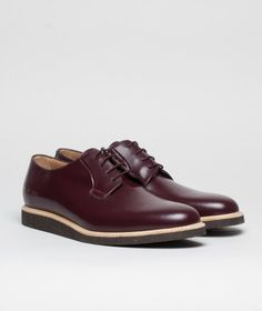 Common Projects Polished Leather Derby Brown (Also called Derby Shine): New model, with Crepe sole. (Previous Derby model had 4 holes and was made out of 2 sewed leather pieces)