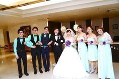リーセントカルチャーホテル|結婚式場写真「新郎新婦とブライズメイドがお揃いの格好をしてアットホーム感を演出!人前式で行うオリジナルウェディング!」 【みんなのウェディング】
