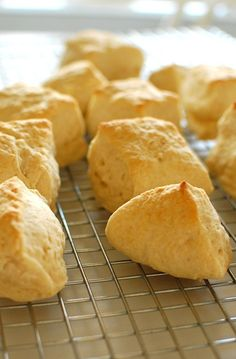 beer biscuits hot out of the oven.| joeshealthymeals.com