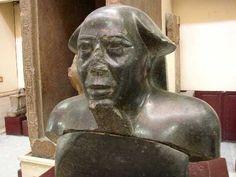 Montouemhat, XXVIe dynastie, le caire (CG 42236)