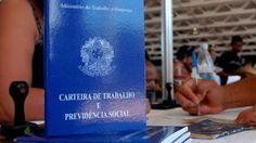 Folha Política: Governo adia 50% dos pagamentos do abono salarial para 2016 e fica com o dinheiro dos trabalhadores   http://w500.blogspot.com.br/