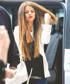 super long straight hair and red lipstick!!! <3  #selenagomez