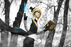 (I know this is cosplay but its awesome)