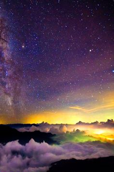 Starlight clouds by Chia Hsien