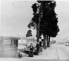 Photographer Rudy Rosenberg (left) and co-worker on Victory Blvd. in the early 1930s. Burbank Historical Society. San Fernando Valley History Digital Library.