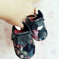 Handmade   Genuine leather   Red bottom  Soft sole   Title Houndstooth Print Baby Girls Moccasins Horse Hair Genuine Leather Red Soft Sole Baby Moccs First Walkers Crib Shoes Double Bowknot Toddler Moccasins Shoes   Size 10cm=3.9inch=0-3months   11cm=4.3inch=3-6months   12cm=4.7inch=6-12months   ...