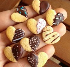 Fimo : 9 petits gateaux au chocolat