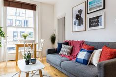 A cosy bedroom apartment in the heart of Covent Garden. Bright, sunny and colourful. By Hostmaker