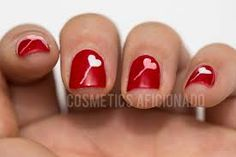 SENIOR MOMENT 4 WOMEN: KISS VALENTINE NAIL ART!
