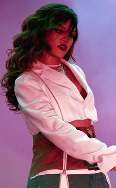 Rihanna from Musicians Performing Live on Stage The singer takes the stage in Santiago, Chile. Best Of Rihanna, Rihanna News, Rihanna Love, Rihanna Riri, Rihanna Style, Rihanna Outfits, Stage Outfits, Rihanna Makeup, Rihanna Hairstyles