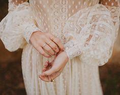 Wedding Bride, Wedding Gowns, Glam And Glitter, Barcelona, Bridal Dresses, Photos, Beautiful, Pretty, Instagram Posts