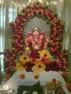Trendy Ideas flowers decorations for home puja Festival Decorations, Flower Decorations, Wedding Decorations, Flower Crafts, Flower Art, Ganesh Chaturthi Decoration, Ganpati Decoration At Home, Ganapati Decoration, Diwali Party