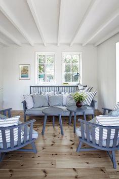 Coastal Living Rooms Archives - Cute Home Designs Interior Decorating Styles, Home Decor Trends, Home Decor Inspiration, Coastal Living Rooms, Home Living Room, Living Room Designs, Les Hamptons, Swedish Decor, Cap Ferret