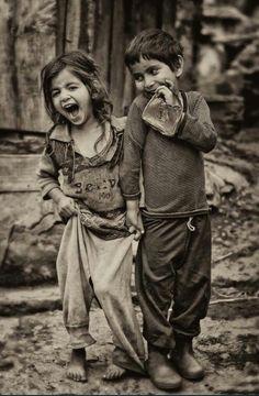 I bambini sorridono (Visita il nostro sito templedusavoir.org)