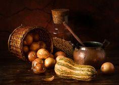 Onions and pumpkin by Luiz Laercio
