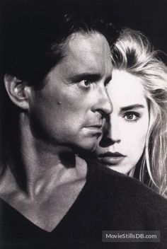 A gallery of Basic Instinct publicity stills and other photos. Featuring Sharon Stone, Michael Douglas, Jeanne Tripplehorn, Leilani Sarelle and others. 90s Movies, Movie Stars, Movie Tv, Sharon Stone, Hollywood Actor, Hollywood Stars, Fallen Angels 1995, La Sainte Bible, Basic Instinct