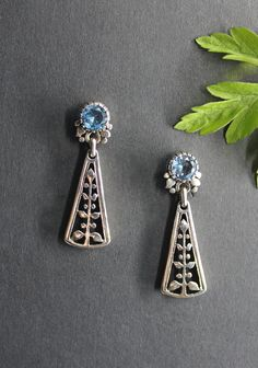 Shops, Belly Button Rings, Up, How To Make, Winter, Jewelry Gifts, Studs, Brooch, Dirndl