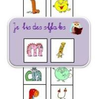 Trois compteurs de syllabes pour travailler la fusion syllabique. Etiquettes avec trois polices - alphas - script - cursive Compteur n°1 : deux lettres Compteur n°2 : trois lettres Compteur n°3 :...