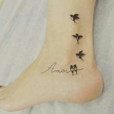 Likes, 9 Kommentare – Tattoobrasil Magazine (Revistatattoobrasil) at Ins … - tatoo feminina Tiny Bird Tattoos, Mini Tattoos, Foot Tattoos, Cute Tattoos, Beautiful Tattoos, Body Art Tattoos, Small Tattoos, Tattoo Bird, Tatoos
