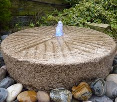 Make Lightweight Garden Art Projects That Last With Hypertufa - Container Water Gardens Old millstone/grindstone fountain Stone Water Features, Outdoor Water Features, Water Features In The Garden, Garden Features, Stone Fountains, Garden Fountains, Outdoor Fountains, Garden Ponds, Garden Water