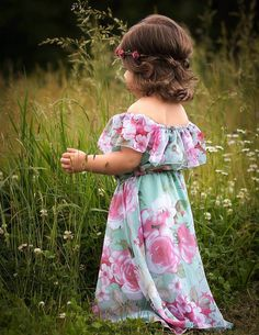 Soft and subtle, this sweet chiffon dress can be worn both on or off the shoulder. Girl Baby Pic, Baby Girl Photos, Boy Outfits, Cute Outfits, Fashion Outfits, Toddler Fashion, Kids Fashion, Toddler Girl Photography, Little Girl Dresses