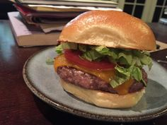 Amazing food i get to eat. Tasty, Yummy Food, Daily Meals, Food Photo, Hamburger, Homemade, Cooking, Cheese Burger, Ethnic Recipes