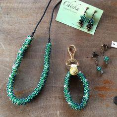 【chieka01】さんのInstagramをピンしています。 《木々が芽吹く。 春が待ち遠しいですね。 #bagcharm #accessory #chiekaoriginalaccessory #necklaces  #green  #アトリエnest  #熊本市 #Ateliernest  #キーホルダー #バッグチャーム #オリジナルアクセサリー #イヤリング #ピアス #ネックレス #コーディネート #ファッション #スタイル #fashion  #style #coodinate #緑 #パステル #グリーン #森 #forest #春》