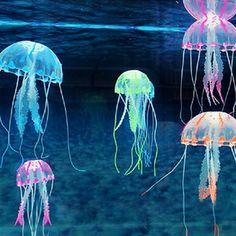 Glowing Effect Artificial Jellyfish Aquarium Decoration. Ideal decoration for the fish tank or aquarium. It adds beauty and delight to your aquarium. With it you can build an ideal underwater world. Jellyfish Decorations, Aquarium Decorations, Jellyfish Aquarium, Aquarium Fish Tank, Jellyfish Light, Aquarium Kit, Marine Aquarium, Medusa, Tropical Fish Tanks