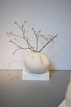 YOKO KOMAE  flower vase