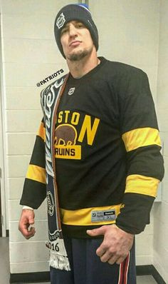 """""""The Gronk"""" showing his support for the Bodton Bruins at Gillette Stadium duting the 2016 NHL Winter Classic."""