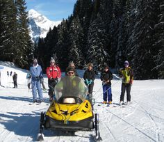 Towing guests to the refuge for lunch