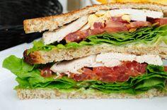Τοστ με Κοτόπουλο Μαρούλι και Ντομάτα / thefoodproject.gr The Kitchen Food Network, Food Network Recipes, Sandwiches, Deserts, Snacks, Cooking, Tortillas, Tea, Baking Center