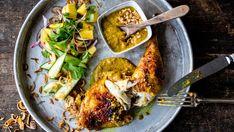 Marinerte kyllinglår med sataysaus og mangosalat Meatloaf, Food To Make, Food Porn, Asian, Dinner, Recipes, Mango Salad, Chicken Thighs, Chinese