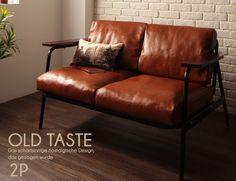レトロでおしゃれな木製木肘ソファ。サイズは二人掛け、三人掛け。カフェ風インテリアや北欧インテリアにもピッタリ!もちろん送料無料です。
