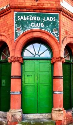 Incredibly important that this place is saved from being heartlessly demolished like many famous musical landmark around Manchester. Wiping out the heart of the capital city of British music. God love the Salford lads club