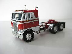 DCP Red/White Freightliner C/O   DCP Diecast Promotions 1/64th Scale Model Freightliner Trucks, Diecast Models, Semi Trucks, Classic Toys, Building Toys, Voodoo, Box Art, Educational Toys, Rigs