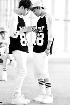 Kpop New EXO White Black Unisex Length sleeve T-shirts