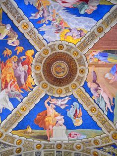 A stunning fresco in the Vatican Museum in Rome Vatican Tours, Vatican City, Rolling Shades, Things To Do In Italy, Sistine Chapel, Fantastic Art, Museum Of Fine Arts, Ancient Art, Tapestry
