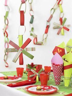 Kids Christmas Table - Paper Chain - Project - The Spotlight Inspiration Room | Australia