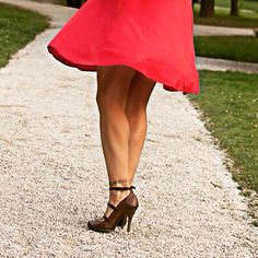 Red dress, leather and flowers Esprit brown shoes Hunter Outfit, Body Training, Little Red Dress, Romantic Outfit, Leather Dresses, Brown Shoe, Put On, Hunters, Fashion Details