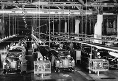 Back in time: Mercedes-Benz #Ponton sedans in production at Sindelfingen/Germany. Pic Source: http://www.mbzponton.org/valueadded/other/overview.htm