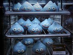 1 :ラストボーイスカウト@空挺ラッコさん部隊ρ ★投稿日:2011/09/05(月) 19:34:48.61 ID:???0 今年で25周年を迎える人気ゲーム「ドラゴンクエスト」のモンスター「スライム」が肉まんになって登場。全国のファミリーマートで、11月下旬から販売する。ゲーム中のおやつにいかが?ソース:http://news.infoseek.co.jp/article/20110905jiji1333963/スライム肉まん登場http://news.www.infoseek.co.jp/img/photos/jijiPan/m1333...