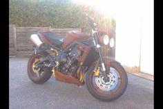 Triumph Street Triple Rust & Roll