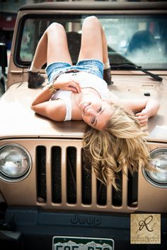senior class pictures with jeep   Durango Photography Senior Pictures Jeep Cute